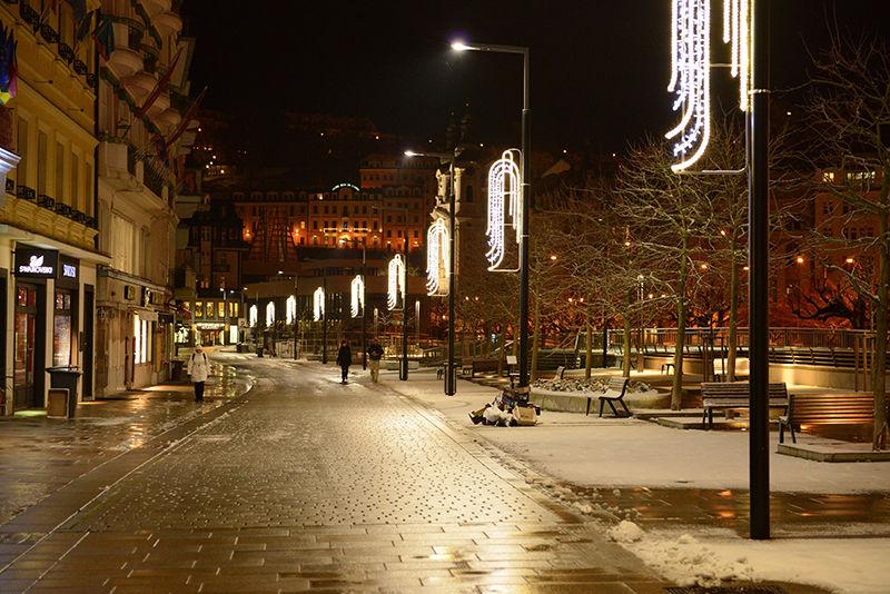 LED světelné vánoční osvětlení města Karlovy Vary