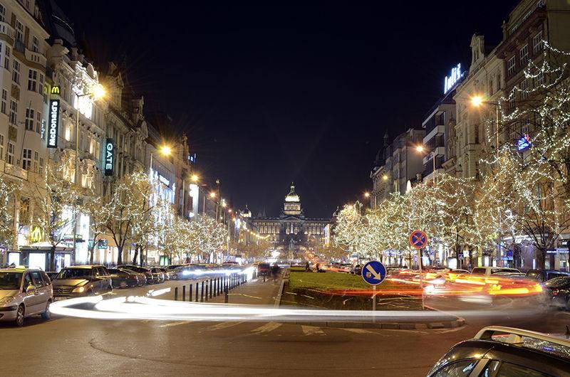 Světelná vánoční výzdoba naVáclavském náměstí