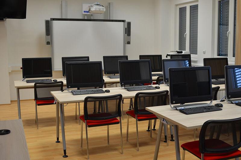 Školící centrum Verne - Počítačová učebna Adetail