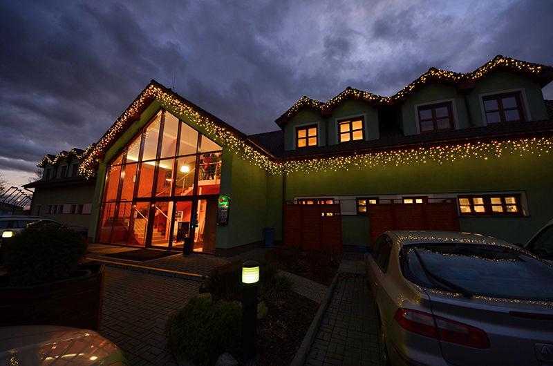Světelná vánoční výzdoba penzionu