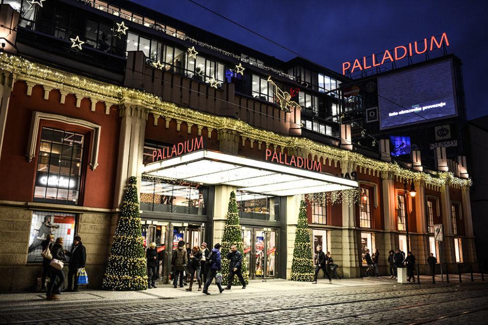 Vánoční výzdoba exteriéru OC Palladium
