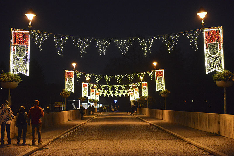 Světelná výzdoba mostu vLokti 2014