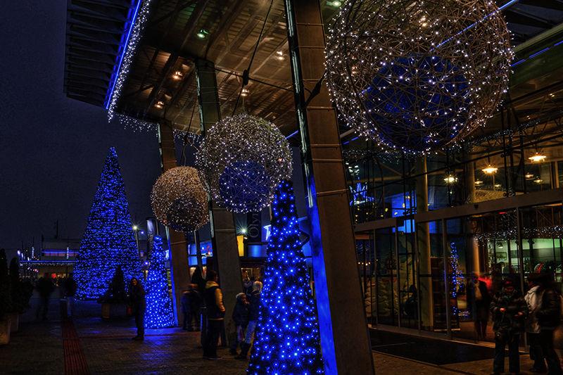 Světelná vánoční výzdoba exteriéru OC Olympia Teplice