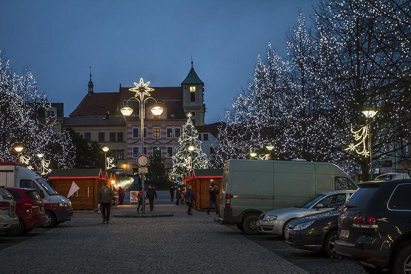 Světelná vánoční výzdoba náměstí vLitvínově