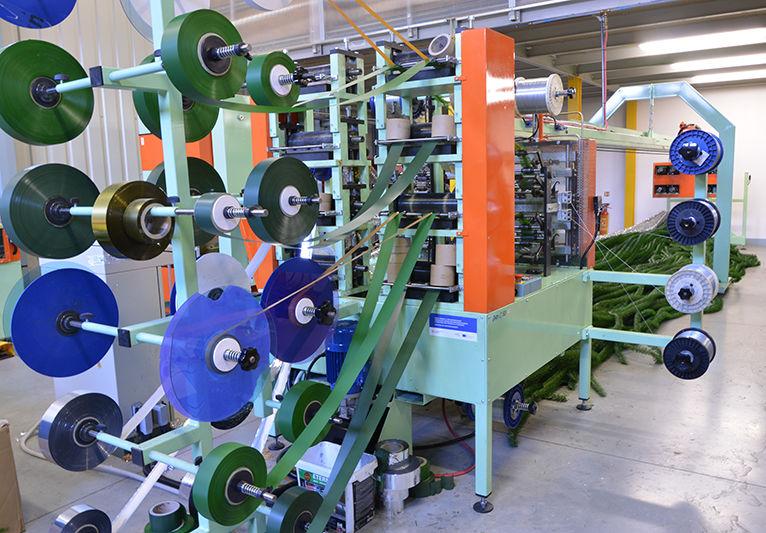 Strojní výroba PVC jehličí