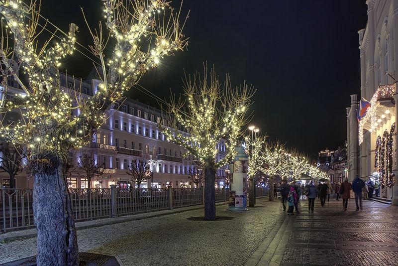světelné řetězy Karlovy Vary