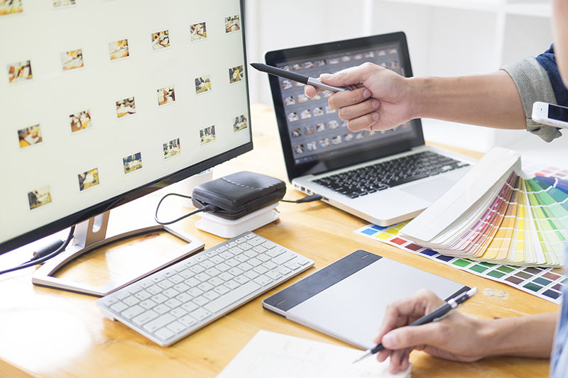 graphic designer team