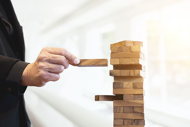 Planning, risk and strategy of project management in businessใ