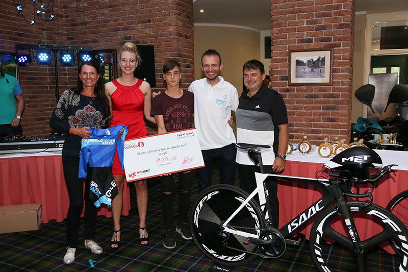 MKmont sponzoruje cyklisty